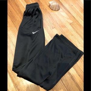 Nike boys therma fit sweatpants